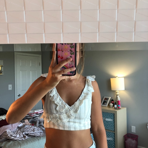 American Eagle Outfitters Tops - cropped cream striped top (american eagle)